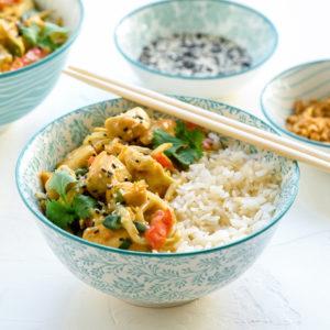 kip met rijst en curry